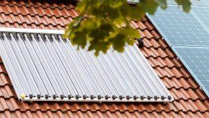 Solaranlagen können mit Ölheizungen kombiniert werden