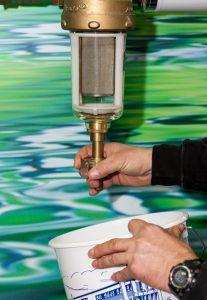 Rückspülfilter müssen regelmäßig von Hand rückgespült werden.